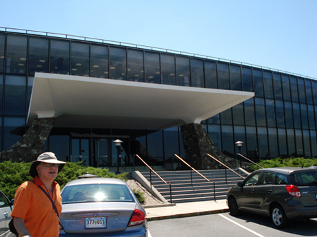 Picture of Gregory Chaitin taken by Hector Zenil outside of the IBM Research center at Yorktown, N.Y. where Watson was designed.